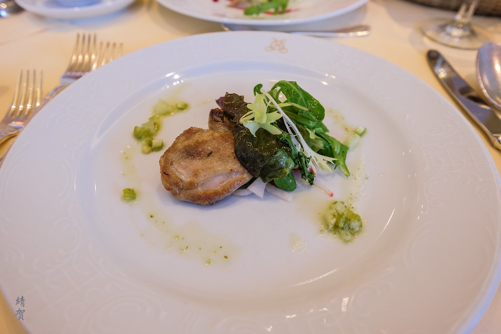 Roasted breast of quail with salad and asparagus vinaigrette