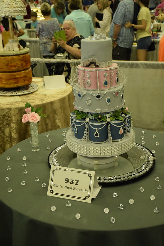 Oklahoma State Sugar Art Show and Grand National Wedding Cake