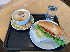 Breakfast beim Bäcker Ruetz.