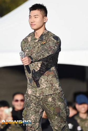 Taeyang Daesung Ground Forces Festival 2018-10-08 Day 3 (16)