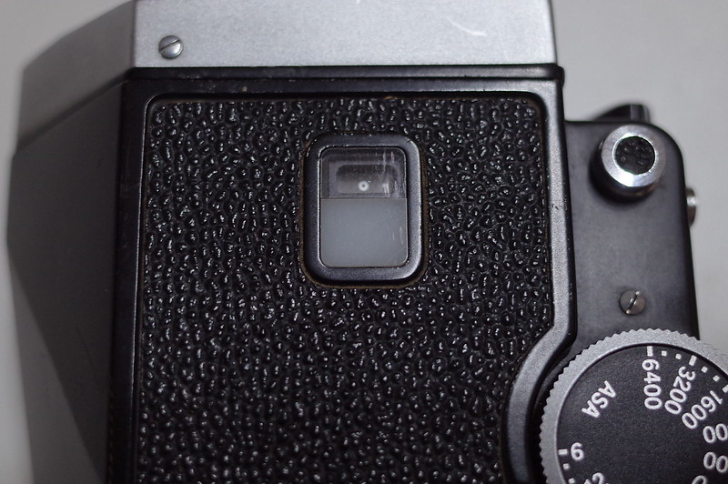 Nikon F フォトミックFTN電池チェック前