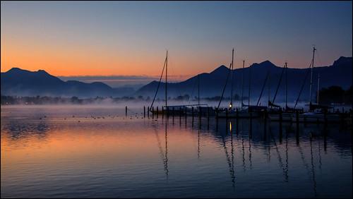 Im Nebel ruhet noch die Welt, noch träumen Wald und Wiesen...