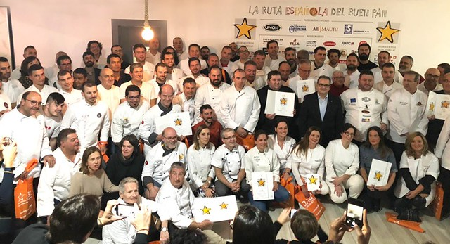 Panaderos galardonados con las estrellas de oro de la Ruta Española del Buen Pan.