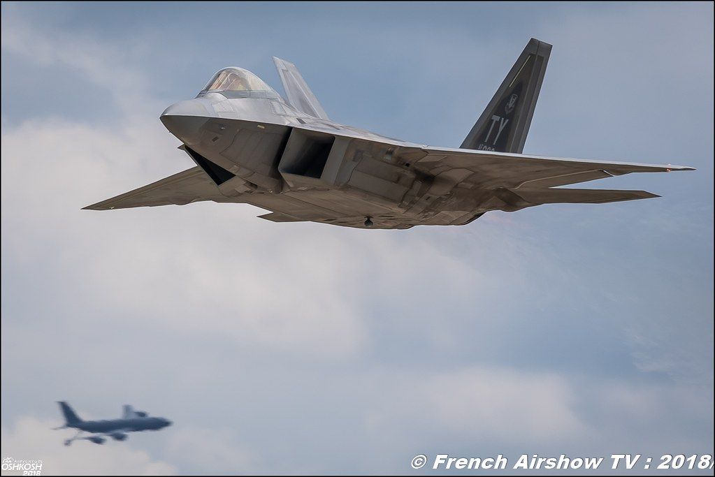 F-22 Raptor USAF and KC-135 stratotanker EAA Oshkosh 2018
