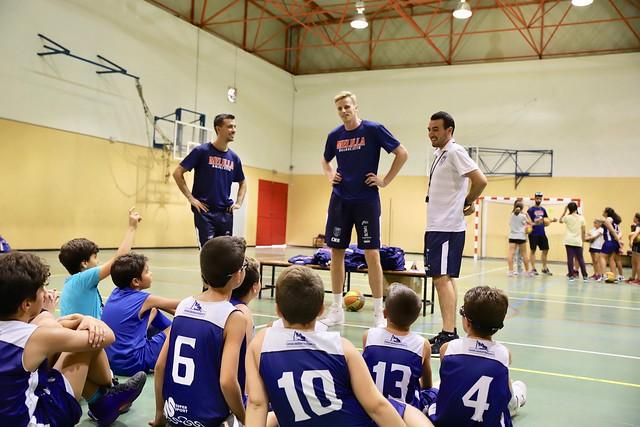 CANTERA | Visita de Zyle y Marín al Minibasket masculino