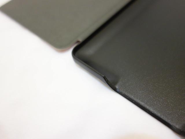 邊角比我想像中還要平滑,以這價位我覺得打磨得算漂亮@淘寶小紅帽Kindle PaperWhite保護套