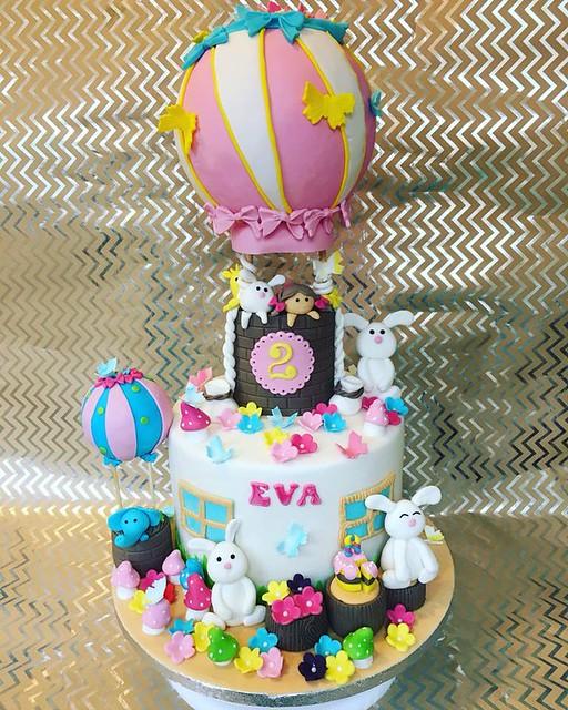 Cake Masterpiece by Elitos Tortai ir Kiti Kepiniai/Elitos Cakes and Other Sweets