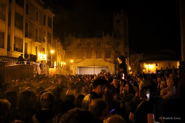 El Entierro de Genarín - Plaza de la Regla, plaza de la Catedral de León